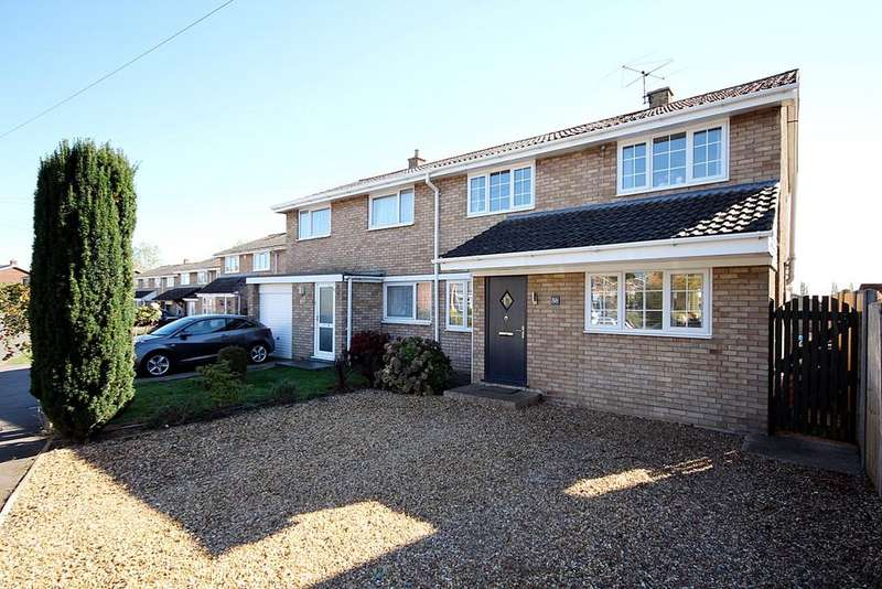 3 Bedrooms Semi Detached House for sale in Newis Crescent, Clifton, SG17