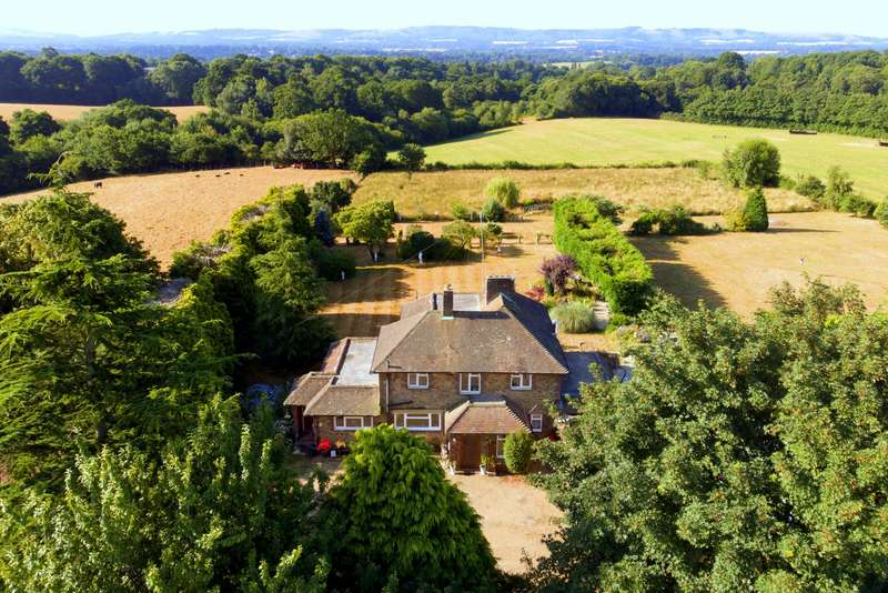 4 Bedrooms Detached House for sale in Gay Street, Pulborough