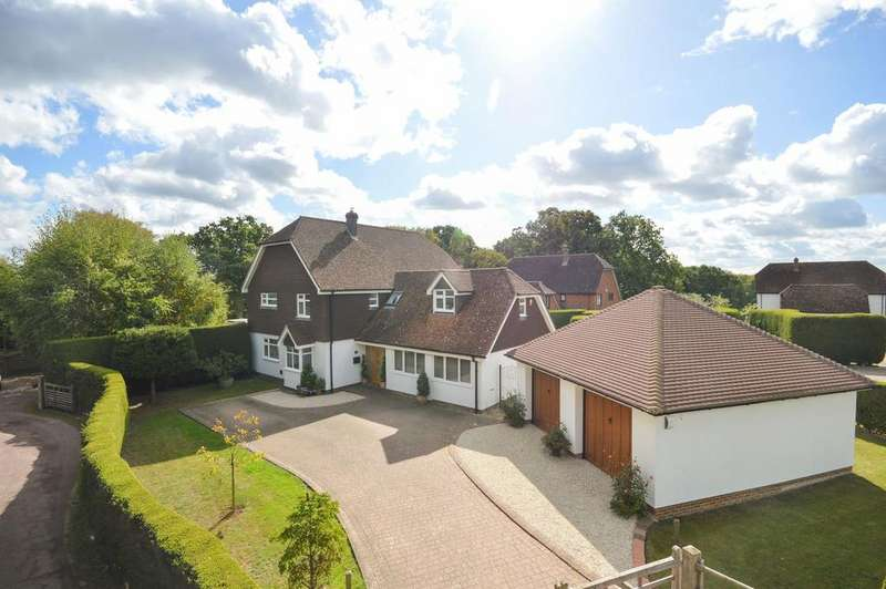 5 Bedrooms Detached House for sale in High Halden, TN26