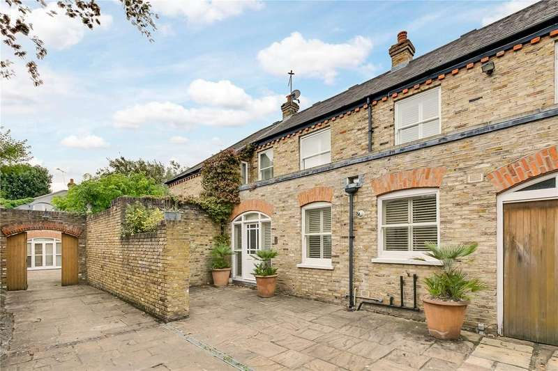 3 Bedrooms Mews House for sale in Old Farm Place, 55 Wandle Road, London, SW17