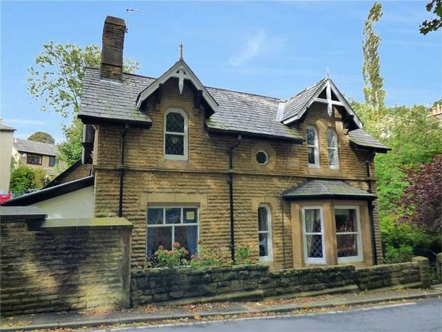 4 Bedrooms Detached House for sale in Abney Road, Mossley, Ashton-under-Lyne, Greater Manchester