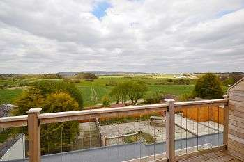 2 Bedrooms Flat for sale in Bolton Road, Aspull, Wigan, WN2 1PX