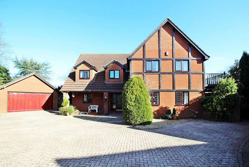 5 Bedrooms Detached House for sale in The Paddocks, Groesfaen CF72 8LE