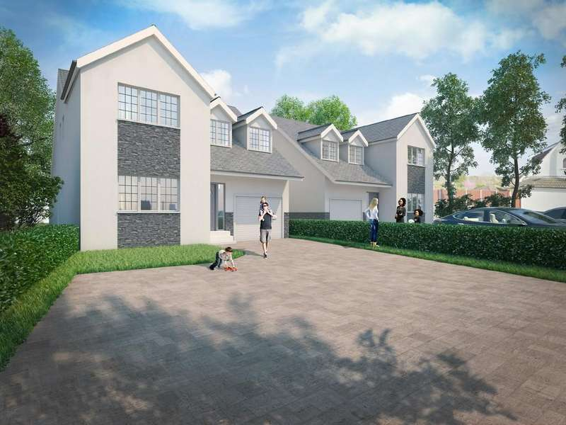 4 Bedrooms Detached House for sale in Hawkwell Road, Hawkwell