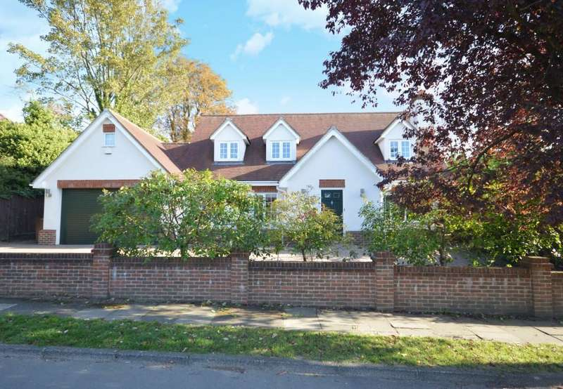 4 Bedrooms Detached House for sale in Buckles Way, Banstead
