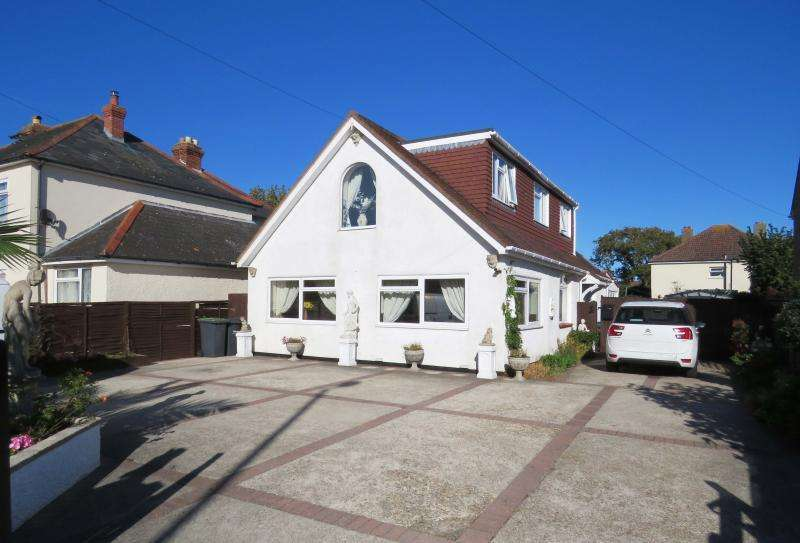 4 Bedrooms Chalet House for sale in Rails Lane, Hayling Island