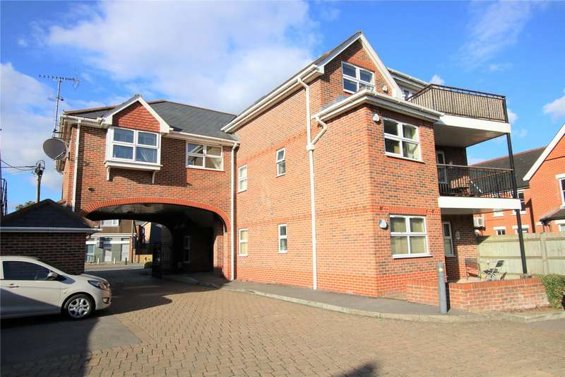 2 Bedrooms Flat for rent in Crichton Court, West End Road, Mortimer Common, Reading, RG7