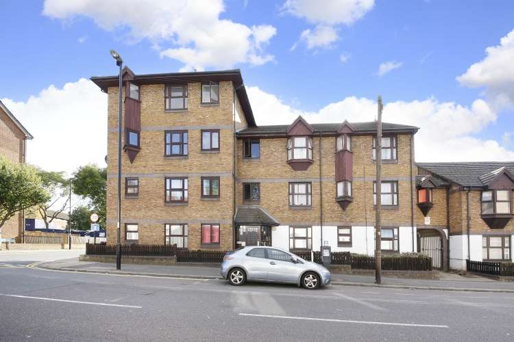 2 Bedrooms Flat for sale in Courthill Road London SE13