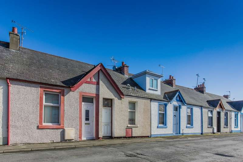 3 Bedrooms Terraced House for sale in Killochan Street, Girvan, Ayrshire, KA26