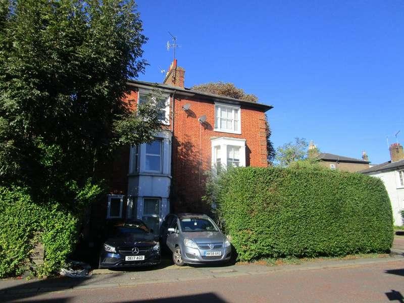 3 Bedrooms Duplex Flat for sale in Arden Road, Ealing, London W13