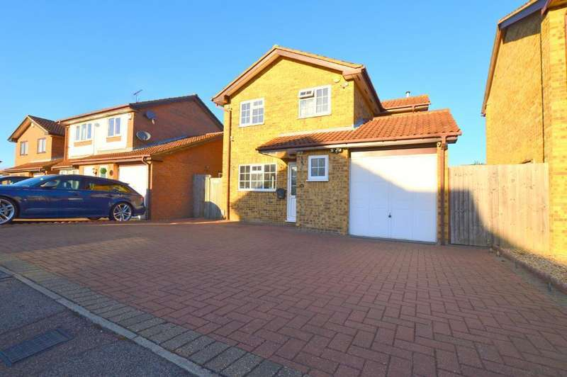 4 Bedrooms Detached House for sale in Kirby Drive, Barton Hills, Luton, Bedfordshire, LU3 4AW