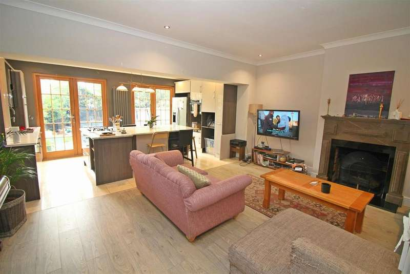 4 Bedrooms Terraced House for sale in White Hart Lane, London