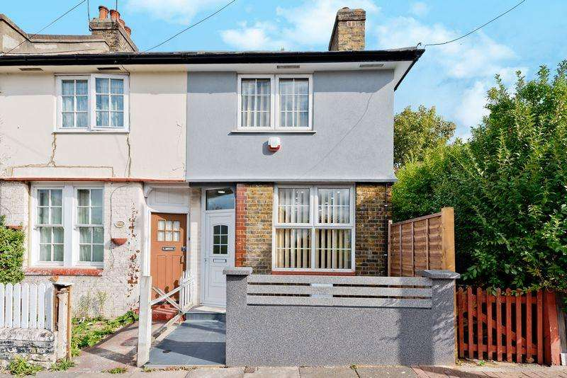 3 Bedrooms Semi Detached House for sale in Three bedroom house, Tooting