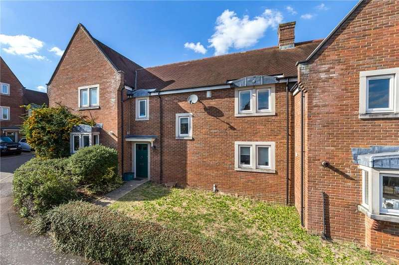 3 Bedrooms Terraced House for sale in Ulverston Close, St. Albans, Hertfordshire