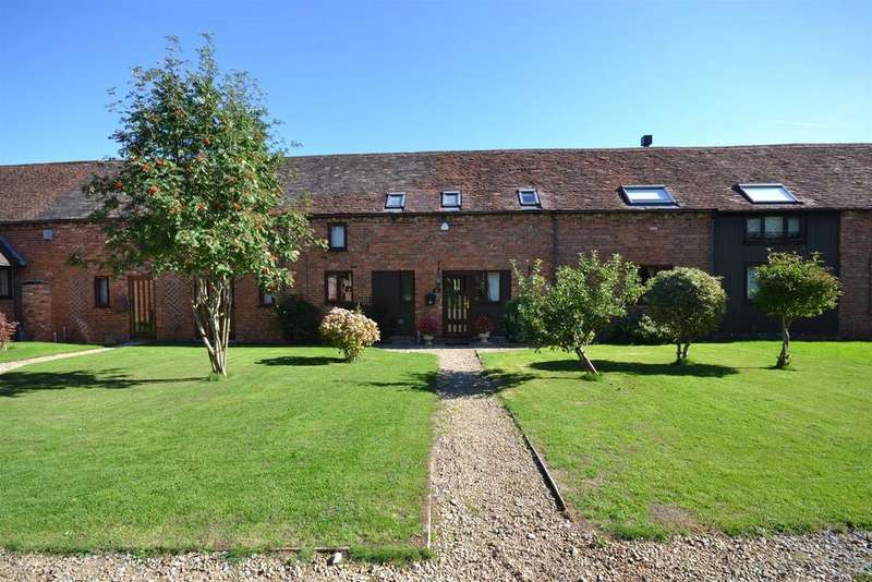4 Bedrooms Barn Conversion Character Property for sale in Foxhill Barns, Foxhill Lane, Alvechurch