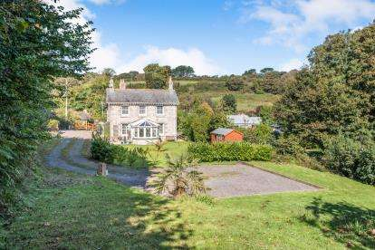 3 Bedrooms Detached House for sale in Penzance, Cornwall, .