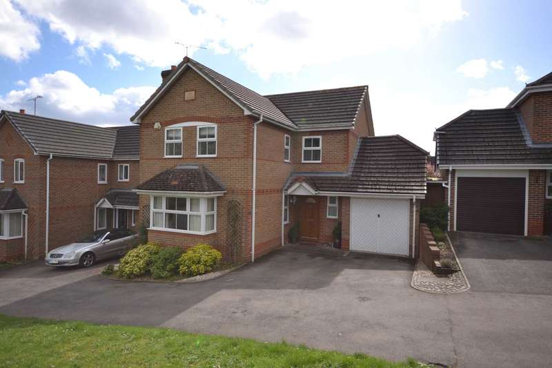 4 Bedrooms Detached House for sale in Glyncastle, Caversham Heights