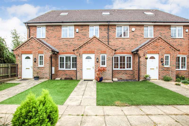 3 Bedrooms Town House for sale in Ascot Drive, Leighton Buzzard