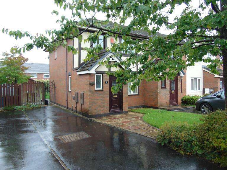 3 Bedrooms Mews House for sale in 34 Watersheddings Way, Old Rugby Green Oldham