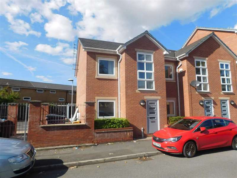 3 Bedrooms Town House for sale in Pepperhill Road, Hulme, Manchester