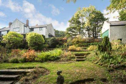 4 Bedrooms Detached House for sale in Moorwoods Lane, Sheffield, South Yorkshire