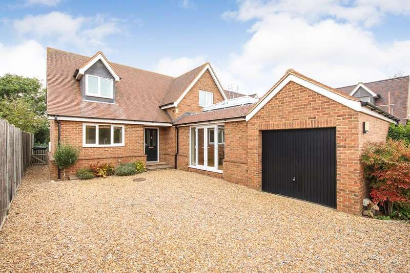 3 Bedrooms Detached House for sale in Station Road , Lower Stondon , SG16