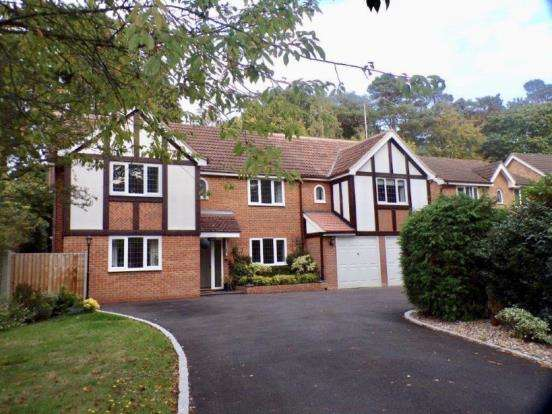 5 Bedrooms Detached House for sale in Church Crookham, Fleet, Hampshire