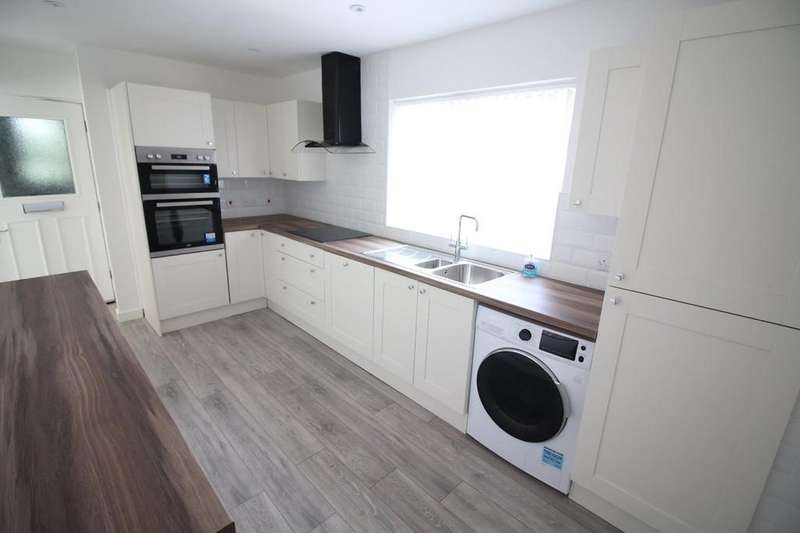 2 Bedrooms Apartment Flat for sale in Sleaford Green, Norwich