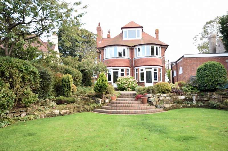 4 Bedrooms Detached House for sale in Hackness Road, Scarborough, North Yorkshire YO12 5RY