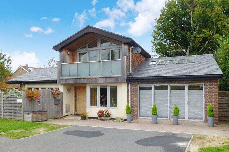 3 Bedrooms Detached House for sale in Allington Road, Newick