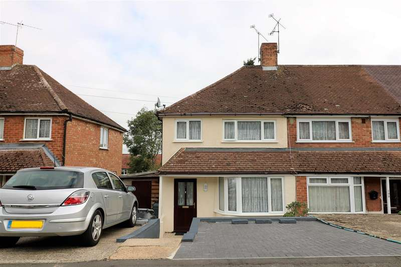 3 Bedrooms Terraced House for sale in Thirlmere Avenue, Tilehurst, Reading