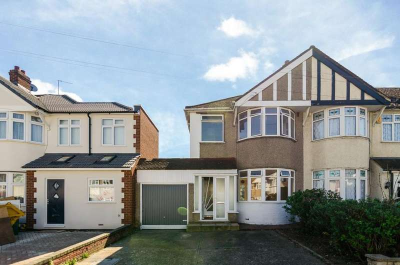 3 Bedrooms Semi Detached House for sale in Sutherland Avenue, Welling, DA16 2NQ