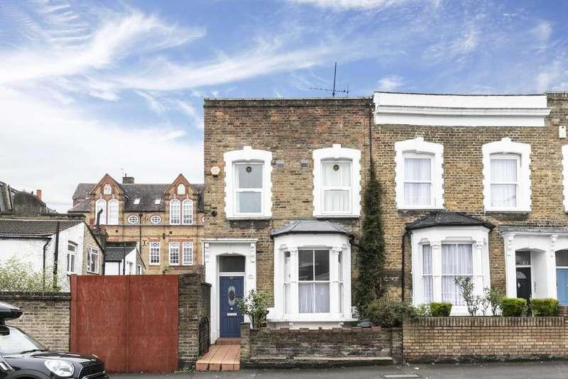 2 Bedrooms Ground Flat for sale in Defoe Road, London, N16