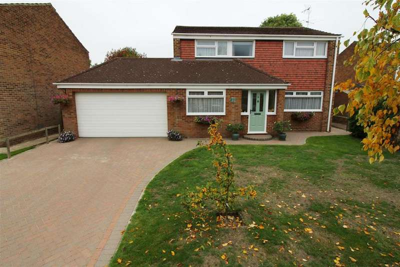 4 Bedrooms Detached House for sale in Aldenham Close, Caversham, Reading