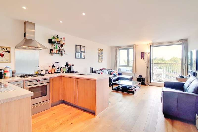 2 Bedrooms Apartment Flat for sale in Eden Grove, London, N7