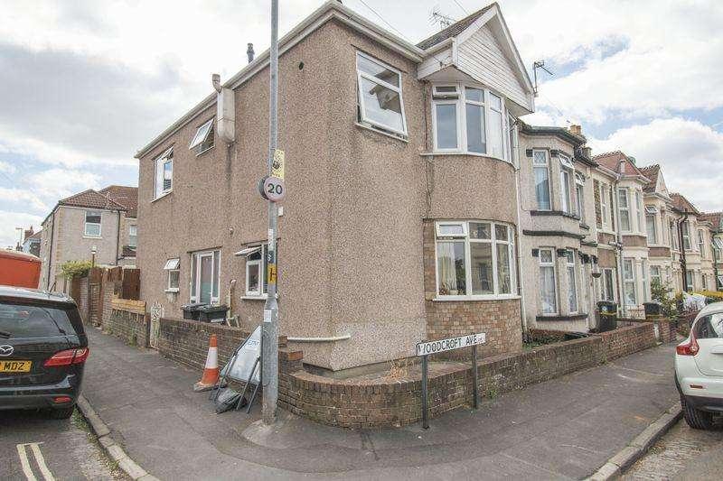 2 Bedrooms Flat for sale in Woodcroft Avenue, Bristol