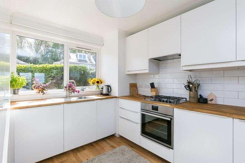2 Bedrooms Property for sale in 54 Ulster Crescent, Willowbrae, Edinburgh, EH8 7JL