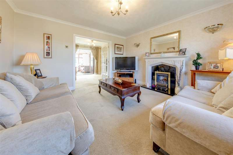 4 Bedrooms Detached House for sale in St. Peters Road, Newchurch, Rossendale