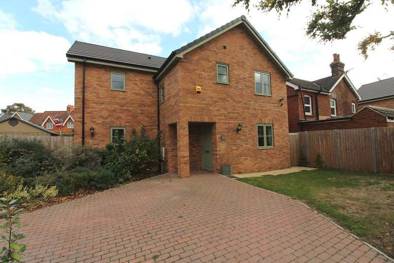 4 Bedrooms Detached House for sale in Icknield Way East, Baldock, SG7