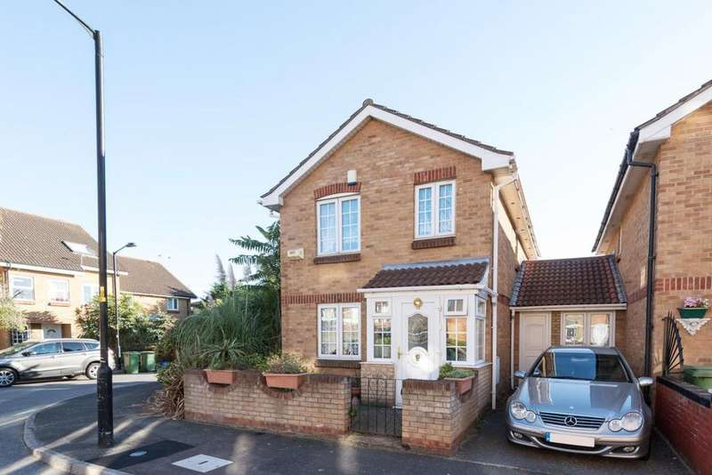 4 Bedrooms Detached House for sale in Cadet Drive, Bermondsey