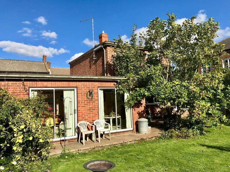 4 Bedrooms Detached House for sale in High Street, Gosberton, PE11