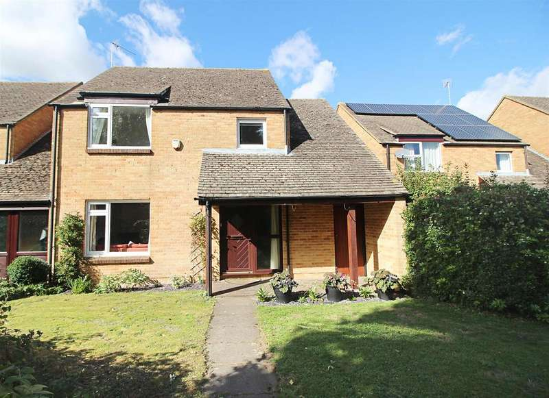 4 Bedrooms Link Detached House for sale in West Chiltern, Woodcote, Reading