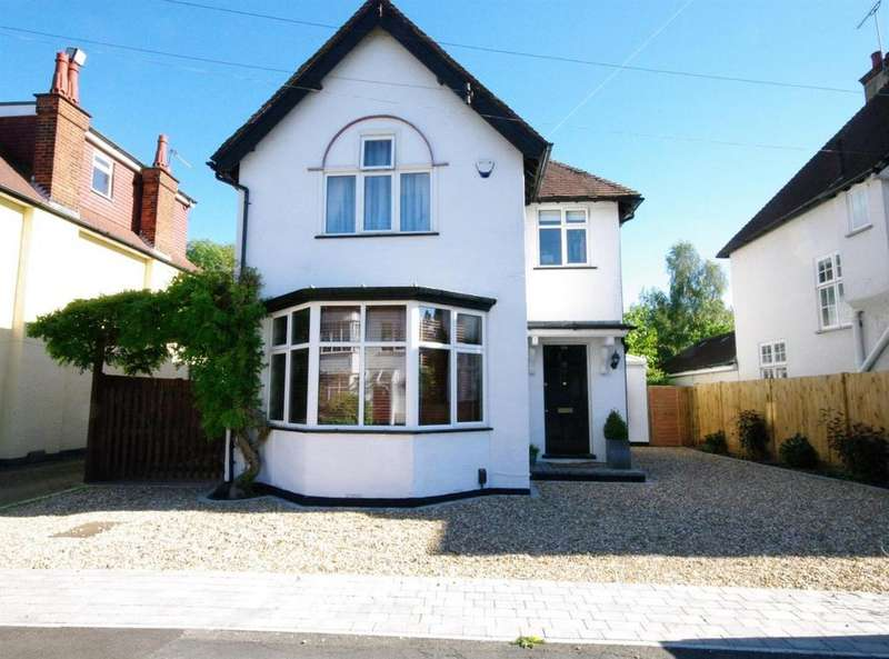 4 Bedrooms Detached House for sale in Oxhey Avenue, Oxhey