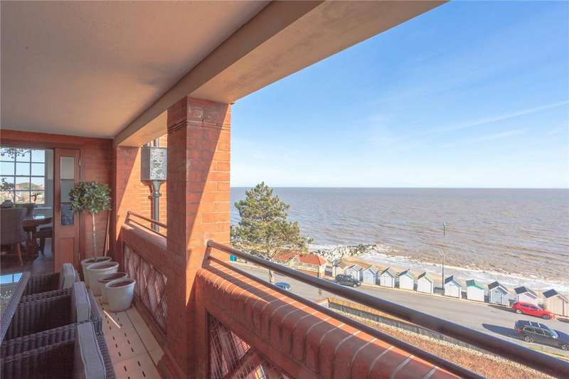 3 Bedrooms Unique Property for sale in The Bartlet, Undercliff Road East, Felixstowe, Suffolk, IP11