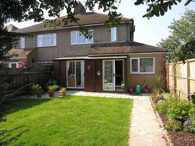 4 Bedrooms Semi Detached House for sale in Alma Road, Eton Wick, SL4