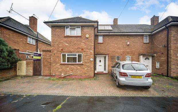 3 Bedrooms Semi Detached House for sale in Slough, Berkshire