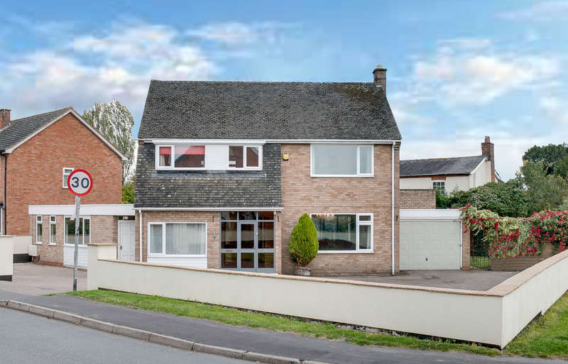 4 Bedrooms Detached House for sale in Watts Road, Studley, B80 7PU