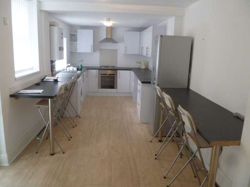 6 Bedrooms House for rent in Leopold Road, Liverpool - 6 bedroom student property -