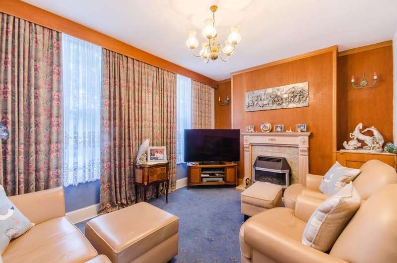 3 Bedrooms Terraced House for sale in York Square, Limehouse, E14