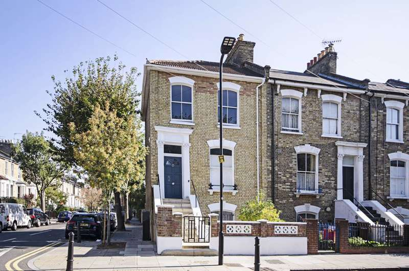 4 Bedrooms End Of Terrace House for sale in Cecilia Road, Dalston, E8